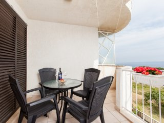 Sea View Panoramic Apartment with Free Parking, Split