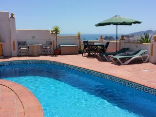 Lux. App. El Olivo, fantastic sea view, priv. Pool, WiFi, Parking, Meerblick