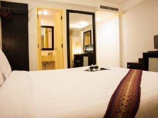 Double Space in Phuket Town!, Talat Yai