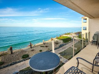 Enjoy a Little Paradise in Solana Beach! Oceanfront 2BR/2BA Condo (SBTC204)