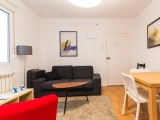 Beautiful Apt in lively Chamberí, Madrid