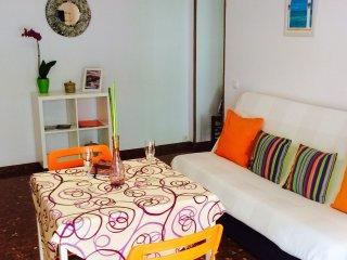 cozy and colorful apto,center Nerja,wifi