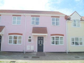 5 Ratcliff Mews connaught ave, Frinton-On-Sea