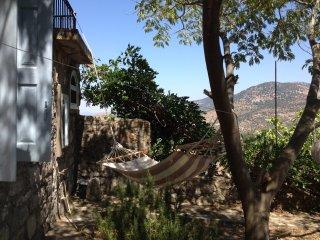 Steinhaus mit Traumaussicht in Lafionas/Lesbos, Petra