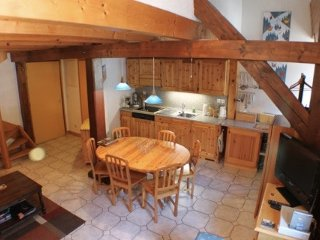 2 Bedroom Duplex Apartment in Heart of Chamonix