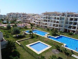 Apartamento,100m de playa, piscinas, zonas verdes