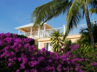 Romantic villa 5 * luxury, 200m facing the sea, pool,, Fort-de-France