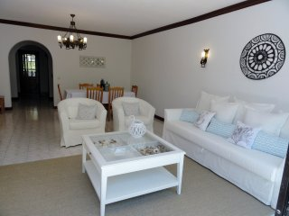Falesia Beach 2 bedroom Townhouse with pool, Olhos de Agua