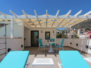 Your private roof terrace with shaded pergola and sun terrace. Outside kitchen and much more!
