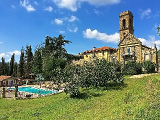 Castel Pietro on a beautiful private hill, Monte San Savino