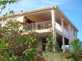 Villa vue mer exceptionnelle ! Fleurie et calme