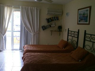 Studio apartment next to Playa Las Vistas