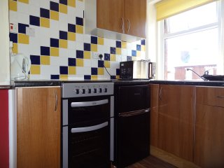 Holiday Apartment 6 in Blackpool Sleeps 4 People