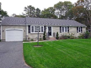 Contemporary Home < 3 Miles To Downtown & Beaches, Barnstable