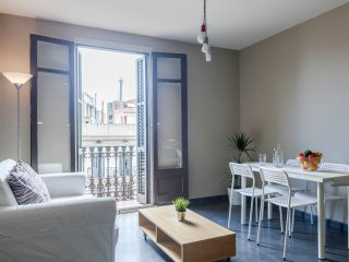 Fantastic Apartment Ramblas 4 Couples and Families