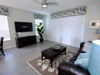 New 3 Bedroom 3 Bath Town Home with Splash Pool. 1424RTC, Four Corners