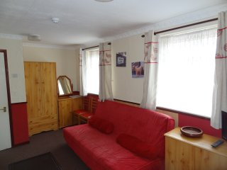 Holiday Apartment 8 in Blackpool Sleeps 6 People