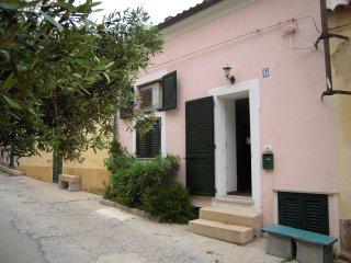 villino unifamiliare centro storico, La Maddalena
