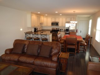 Beautiful New 4 BR House - 3 BLKS to Beach/Boardwalk/Rides...Closer to Waterpark, Seaside Heights