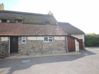 Chuggs Cottage - 215