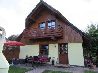 familienfreundliches Ferienhaus mit Blick auf See, Frielendorf
