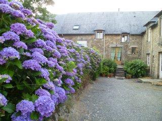 Gite à 30 km du Mt St Michel, à 12km de la plage, Sartilly