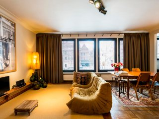 Aplace Antwerp: splendid first floor city flat with a gorgeous view - located in the fashion district area, Antuérpia