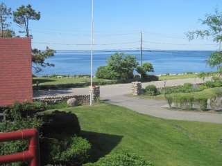 GLORIOUS OCEAN VIEWS FROM LOBLOLLY COVE - DECK - SEASIDE PATH TO BEACH AND TOWN