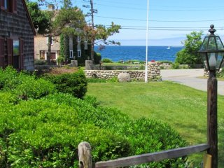 LOVER'S COVE AT THE SEAWARD WITH OCEAN VIEWS & SEASIDE PATH TO BEACH &TOWN