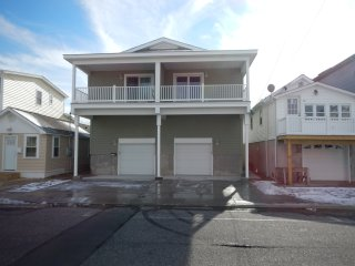 Beautiful New 4 BR House - 3 BLKS to Beach/Boardwalk/Rides...Closer to Waterpark