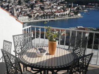 "Apartment ""Hvar at hand"""
