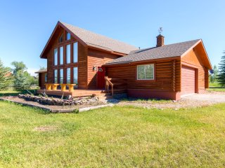 New Listing! Lovely 3BR Driggs House w/Wifi, Private Deck & Captivating Mountain Views - Direct Access to Teton Valley Attractions!