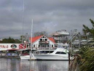 Steinhatchee Villas, 1 block from Sea Hag Marina!