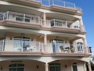 appartement lumineux à 300m de la mer, Grand Baie