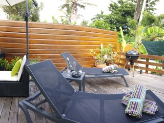 TIBO #16...Cosy 2BR just a 4 min walk to Orient Beach and village square, Orient Bay
