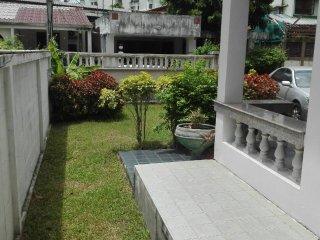 Honey Home Chiang Mai Nimman Villa