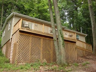 Clover Mountain Cabin, Hedgesville