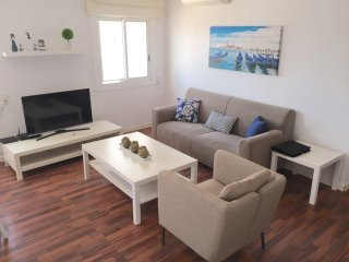 SEA AND MOUNTAIN VIEWS VILANOVA APARTMENT HUTB-015497, Vilanova i la Geltru