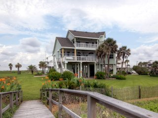 Gorgeous 3BR Galveston House w/Superb Beach Views!