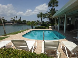 Pass-a-Grille Beach & St. Pete Beach Home Sleeps 8