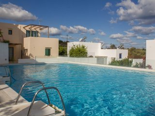 Ground Floor Apartment, Pool, 3km beach, Rethymno