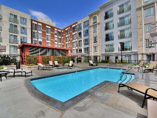 Monthly rental 1BR condo in San Diego