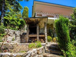 Catalunya Casas: Cova del Drac villa for 10 guests nestled next to lush forests