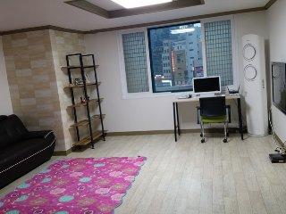 Hugh Haeundae (haeundaehue) Guesthouses, Busan