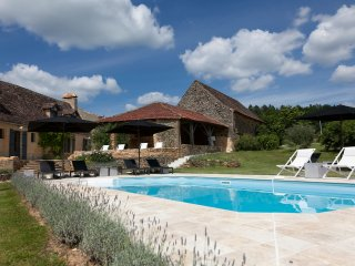 Le Mas & Le Mazet: 5 star luxury beautiful home with private pool, garden & WiFi
