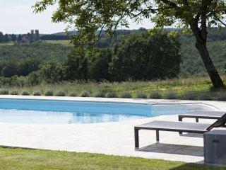 Le Mas: 5 star luxury Dordogne farmhouse offering private pool, garden & WiFi