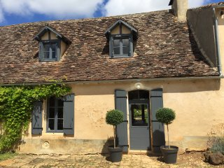 Le Mas: 5 star luxury Dordogne farmhouse offering private pool, garden & WiFi
