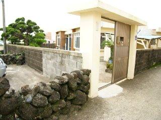 Ohgimok Grandma House (room #2), Jeju