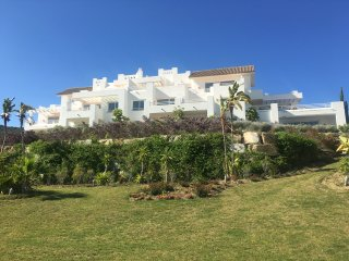 Luxury 2 Bed apartment with Mountain and Sea views, Casares