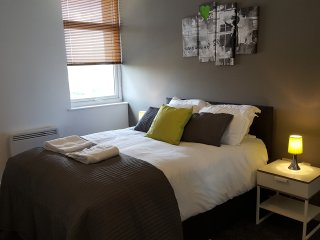 Inspired - 1 Bed Executive Apartment, Salford